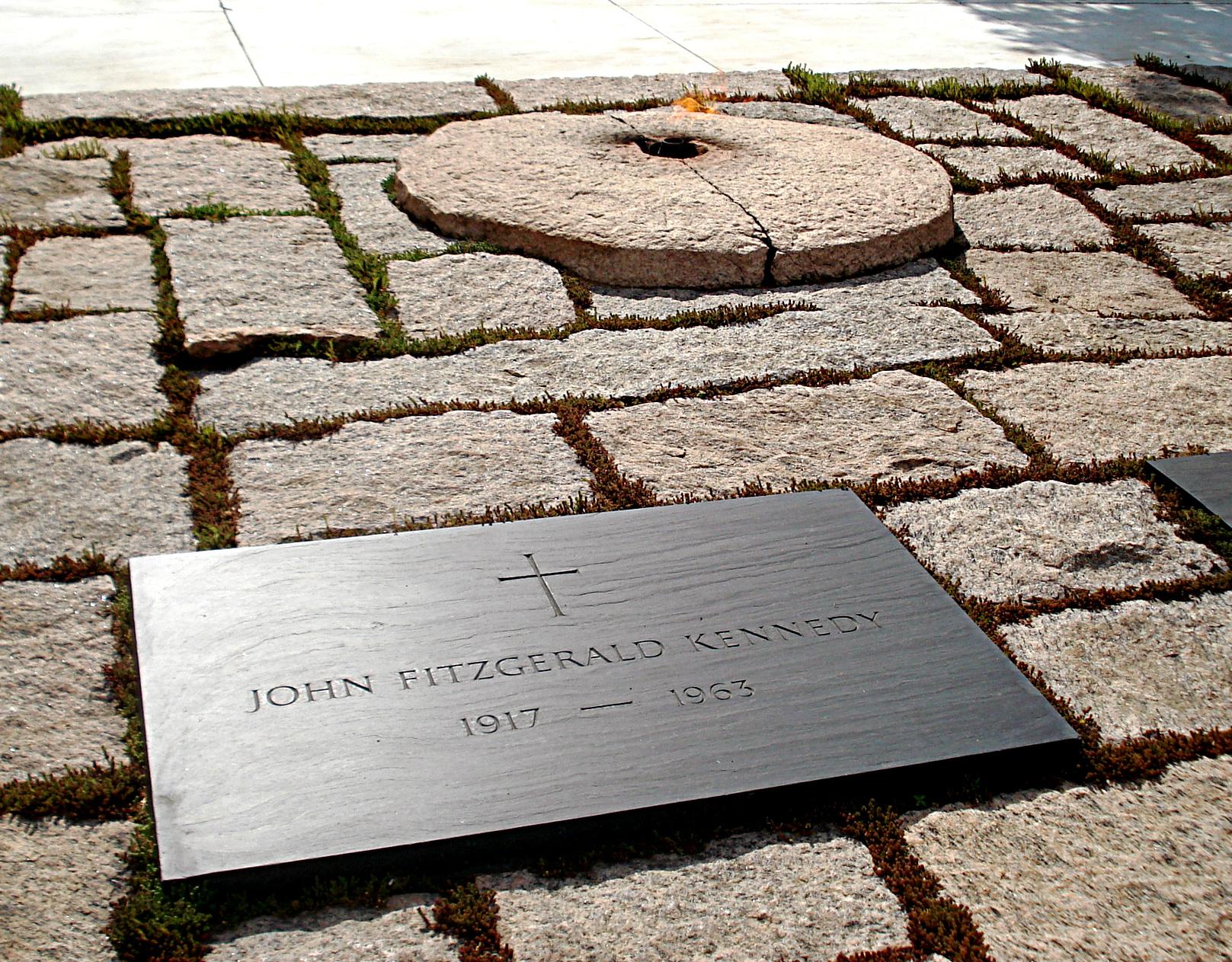 Arlington_tomb_Kennedy